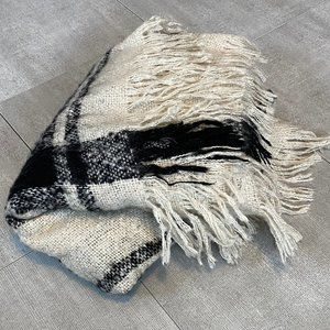 Large Plaid Blanket Scarf w/fringe